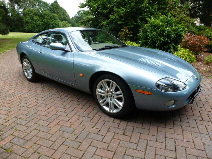 View JAGUAR XKR 4.2 COUPE