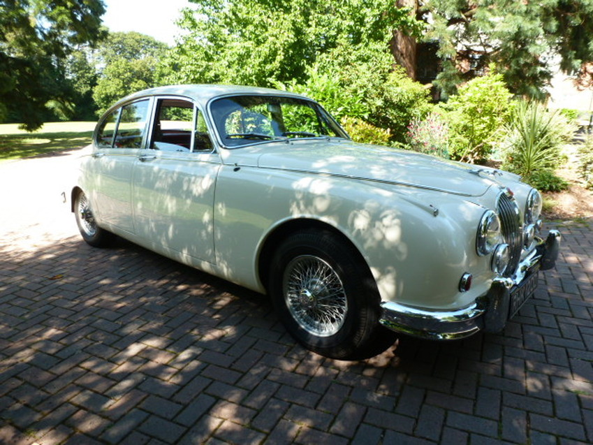 View JAGUAR MARK II 3.4