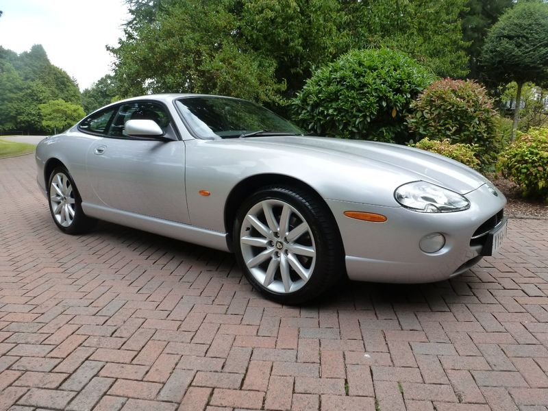 View JAGUAR XK8 4.2 V8